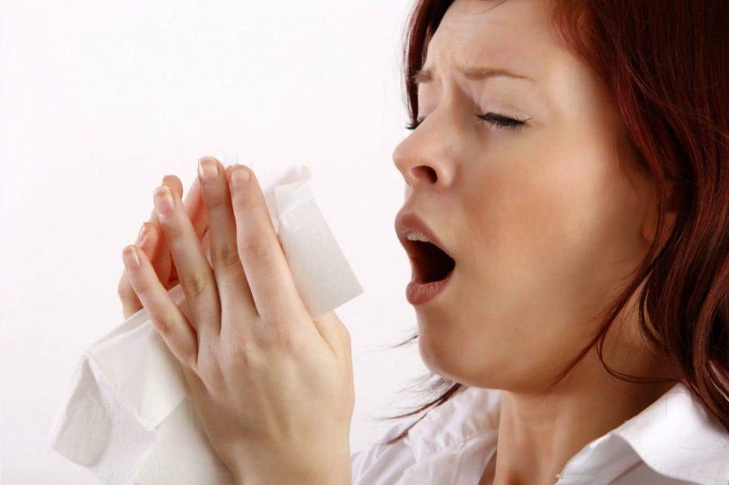 Прастуда ці алергія? Чхаем аднолькава.