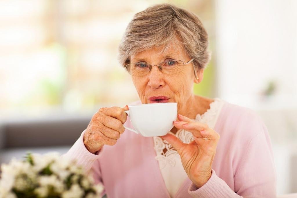 Падзенні сталых. П'ём зялёны чай.