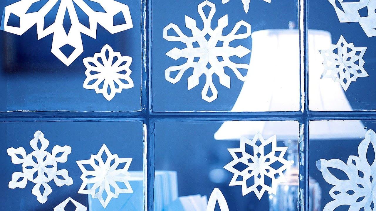 Сняжынкі з паперы. Самаробныя сняжынкі на вокнах.