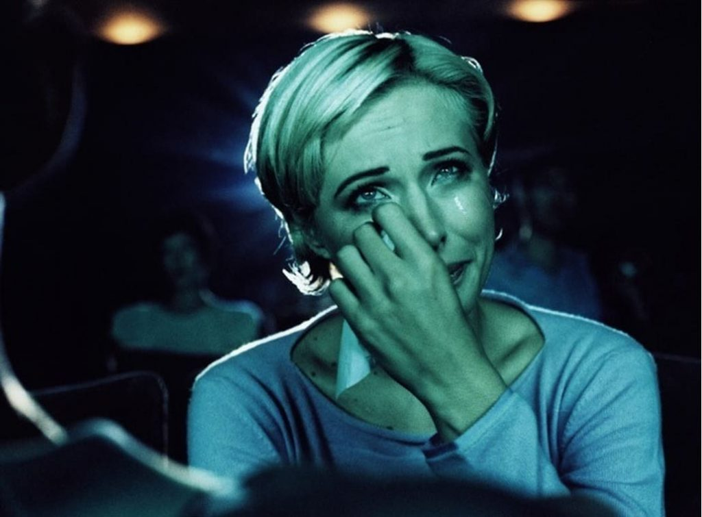 Нарадзіць. Слёзы выклікаюць нават фільмы з дзецьмі.