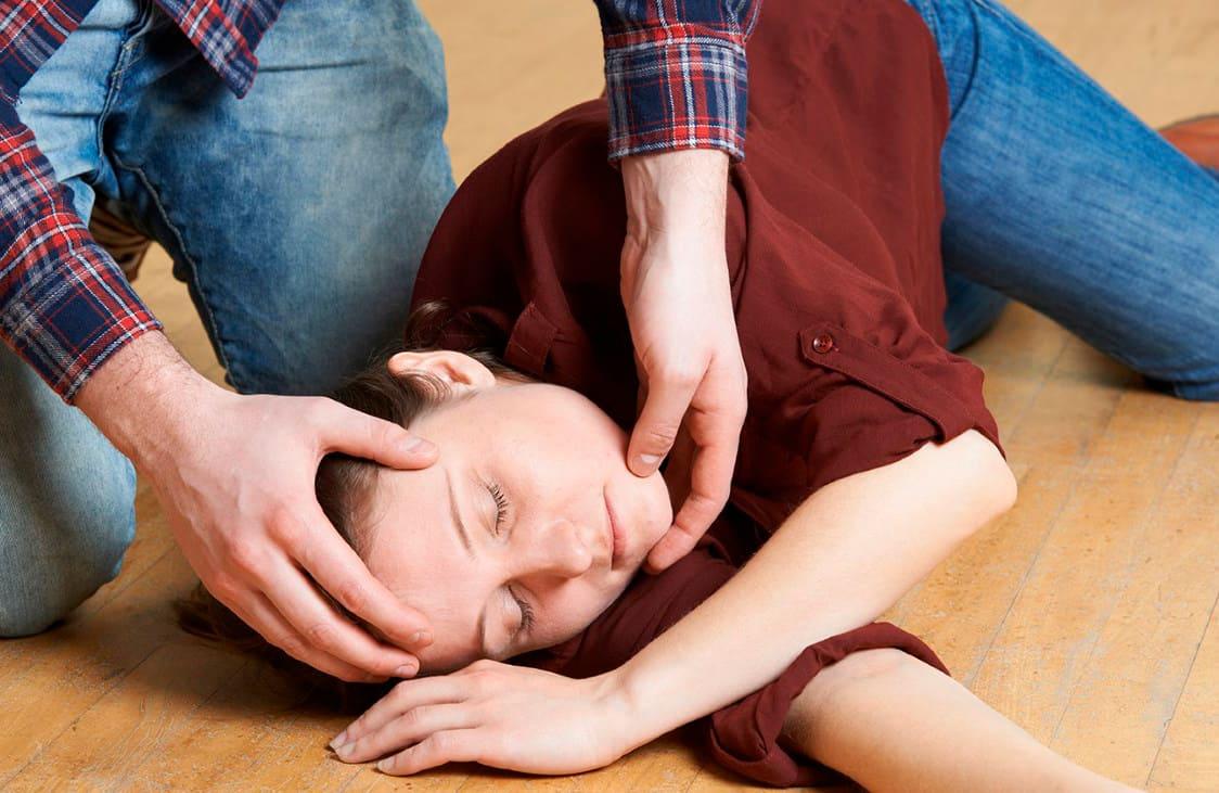 Дзіцячыя траўмы. Аперацыя пры прыступах эпілепсіі: каму паказаная.