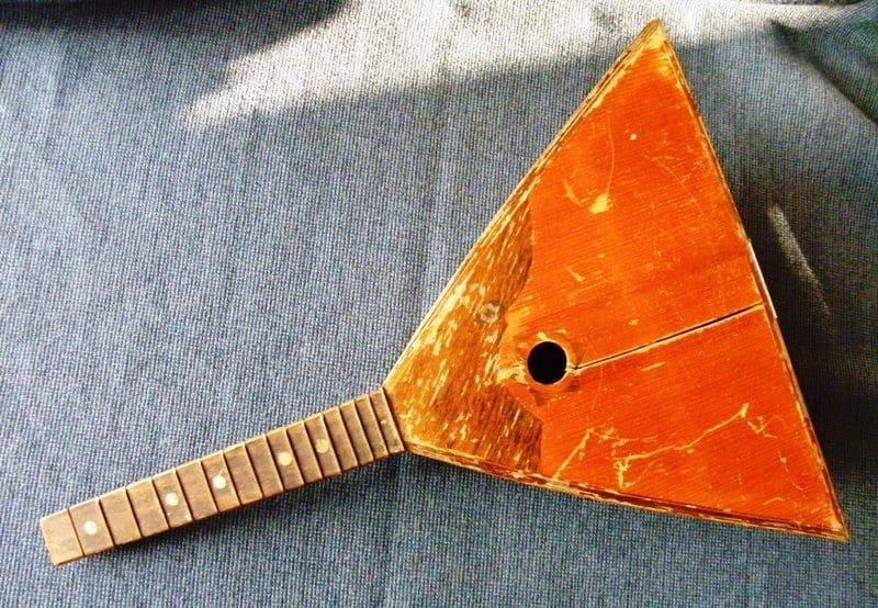 Балалайка. Стары інструмент.