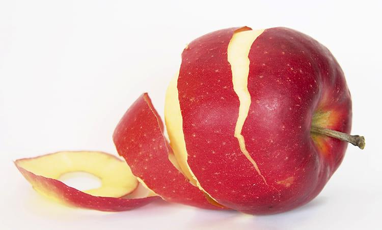 Яблык. Навошта абіраць скурку.