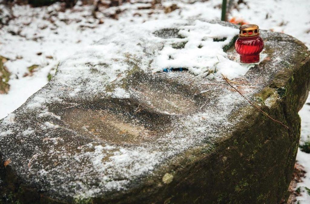 Крамянецкае свяцілішча - Дажбогай камень. Вёска Крамянец Лагойскага раёна Мінскай вобласці